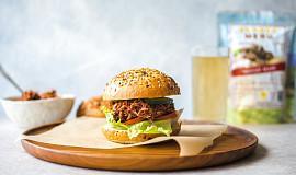 Burger s trhaným masem