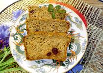 Mrkvový biskupský chlebíček s ořechy a rozinkami