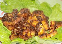 Červená rýže s chilli tofu