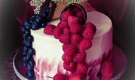 Dort s bezinkou a ovocem