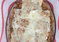Zapečené špagety s masem a omáčkou