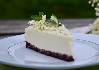 bezový cheesecake www.paniruzickova.cz