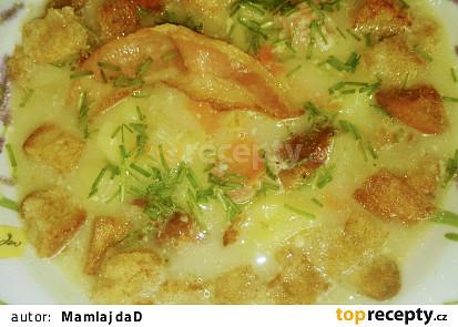 Česnečka s uzeným masem a sýrem