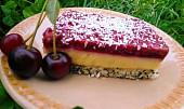 Makovo-kokosové řezy s višněmi a vanilkovým krémem