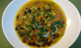 Rychlá polévka z černých fazolí
