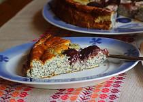 Tvarohovo-makový koláč se švestkami (bez mouky)