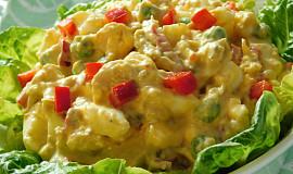 Salát z vařeného kuřecího masa (z polévky)