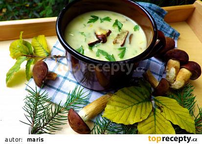 Bílá houbová polévka s pórkem a bramborem