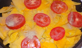 Omeleta z tykve a rajčat