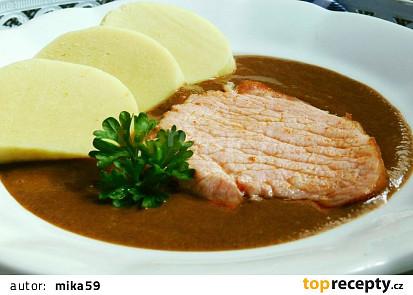 Pečené uzené maso se švestkovou omáčkou