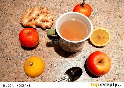 Pečený jablečno-citronovo-zázvorový čaj