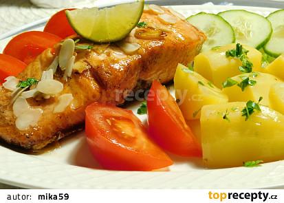 Limetkový losos s mandlemi