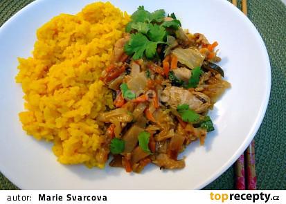 Kuřecí čína se žlutou rýží