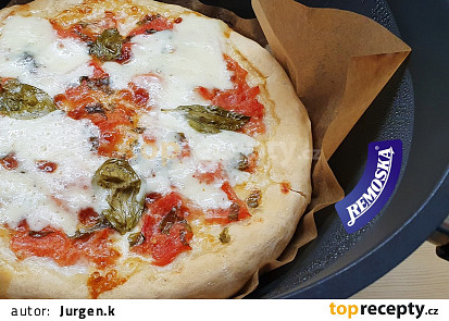 Pizza Margherita (pečená v remosce Grand 4 l)