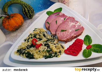 Pečená krkovice (14 dní naložená) na slanině, česneku, cibuli v PH a tarhoňa s baby špenátem.