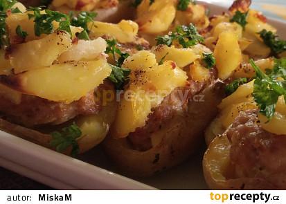Zapečené plněné brambory mletým masem