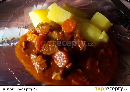 Vepřový guláš s mrkví
