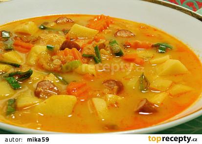 Rychlá bramborová polévka s červenou čočkou
