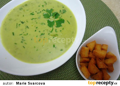 Hrášková polévka se smetanou