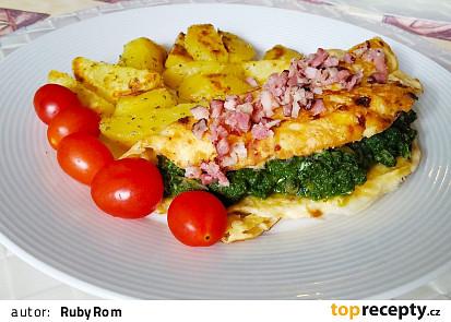 Vaječná omeleta s uzeným sýrem a špenátem