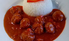 Rozlétané plněné papriky - masové kuličky v rajčatovo-paprikové omáčce