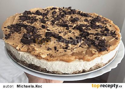 RAW cheesecake s arašídovým máslem