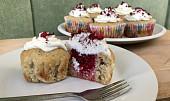 Kokosové cupcaky s malinami