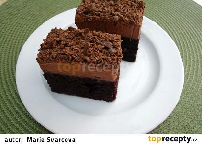 Čokoládové řezy s čoko-šlehačkou