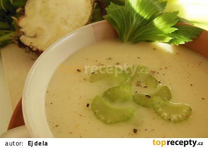 Krémová polévka z řapíkatého celeru (trochu jinak)