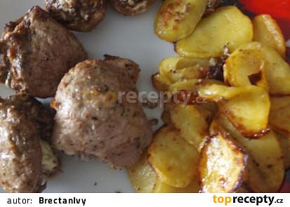 Vepřová panenka plněná žampiony a Nivou a bramborové dukátky