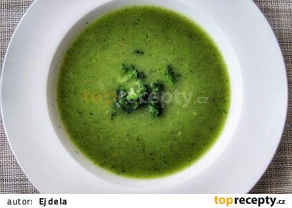 Brokolicová polévka s avokádem