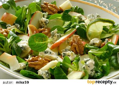 Polníčkový salát s jablky a Nivou