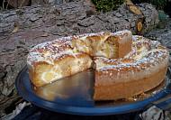 Šťavnatý koláč s jablečným tvarohem