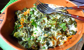 Brokolice s hráškem a karotkou v bešamelu