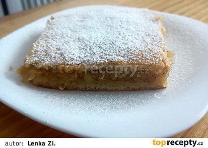 Křehký koláč jablečný