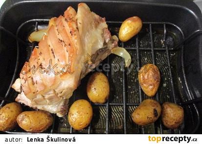 Vepřový bůček s bramborami