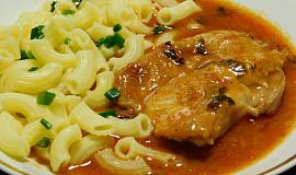 Kuřecí stehenní maso v omáčce s ajvarem