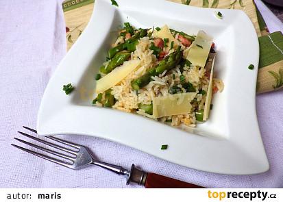 Rýže s tyrolskou slaninou a zeleným chřestem
