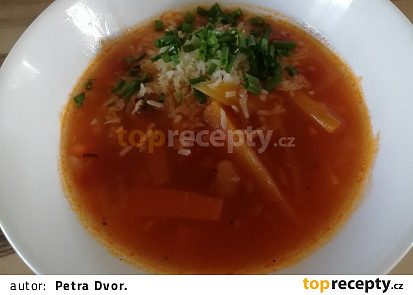Ostrá fazolová polévka