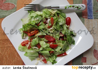 Ledový salát s hořčičnou omáčkou