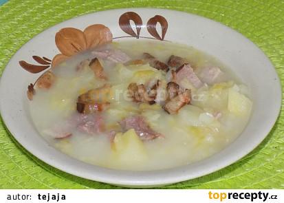 Polévka s uzeným masem a křenem