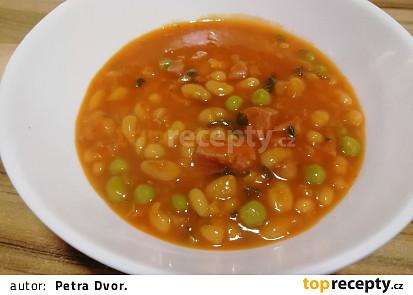 Luštěninová polévka se šunkou