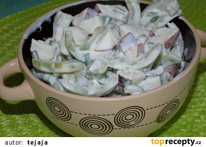 Paprikový salát s jablky